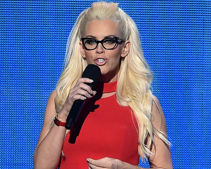 Jenny McCarthy News: Is Radio Host Getting Involved In Chelsea Handler & Heather McDonald's Feud? [AUDIO]