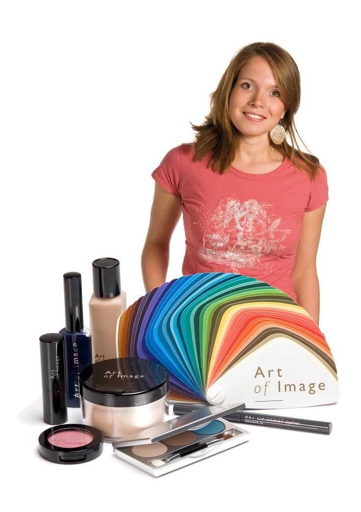 Make-up en kleurenwaaier die een herfsttype tot haar recht laten komen.