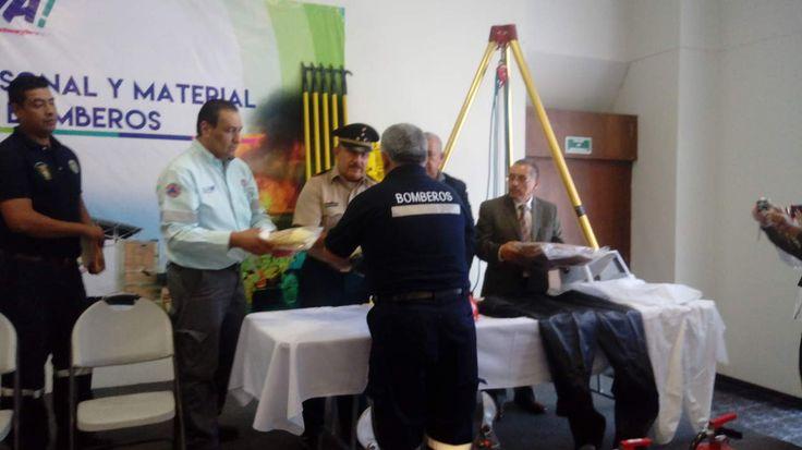 Entregan equipos por casi 2 mdp al Cuerpo de Bomberos de Gómez Palacio