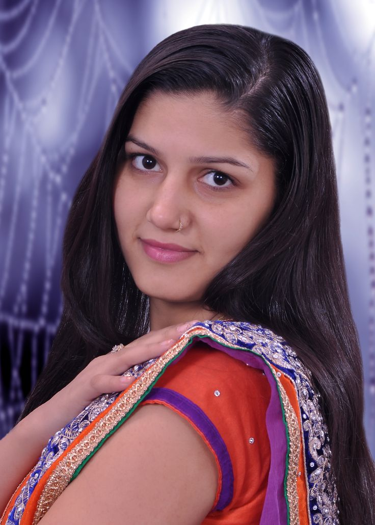 Sapna Chaudhary the Famous Singer and Dancer is Popular in Haryana, Punjab, Western UP and Delhi - Sapna Dance