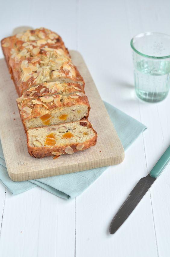 kwarkbrood met noten en rozijnen