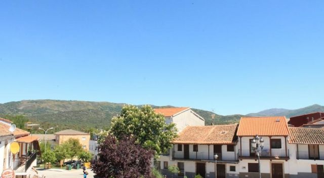 La Luna - #Apartments - $54 - #Hotels #Spain #AldeanuevadelCamino http://www.justigo.ca/hotels/spain/aldeanueva-del-camino/a-r-quot-la-luna-quot_32615.html