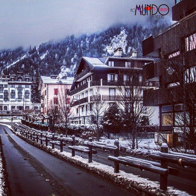 E hoje vai ter matéria nova no blog sobre Chamonix Mont Blanc, essa aconchegante cidade, que fica entre os paises da França, Suíça e Itália./Today the new story on the blog is about Chamonix Mont Blanc, this delightful warming city between French, Switzerland and Italy. #nomundosemperderaviagem