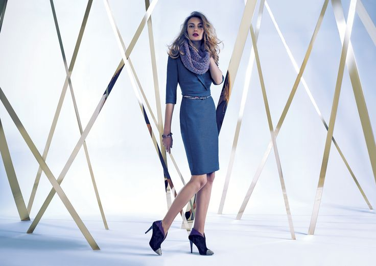 Lookbook -  Autumn Winter 2014/15 granatowa sukienka, błękitny szal