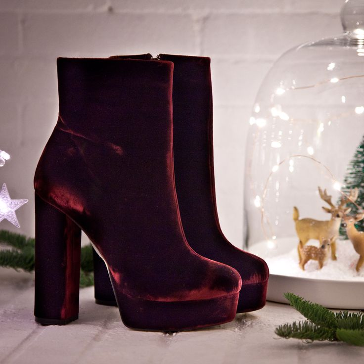 Xmas Spirits #SanteWorld #SanteFW1617 Available in stores & online (SKU-94411): www.santeshoes.com