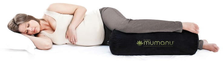 The Mumanu® [m'um-anooo] pregnancy pillow is a self-inflating pillow to use under your leg when pregnant or postnatal. As the best pregnancy pillow on the market it is endorsed by the Osteopathic Society of New Zealand. By keeping your hip, knee and foot at the same height, the Mumanu® keeps you correctly aligned, preventing and relieving lower back and hip pain.