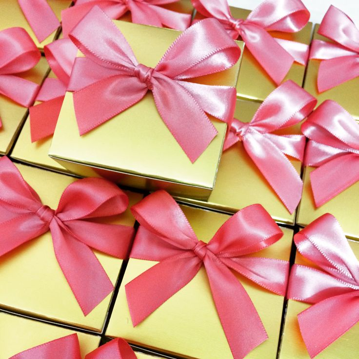 Delightful Caramel Gift Boxes (4 pieces) Dusty Gold & Pink
