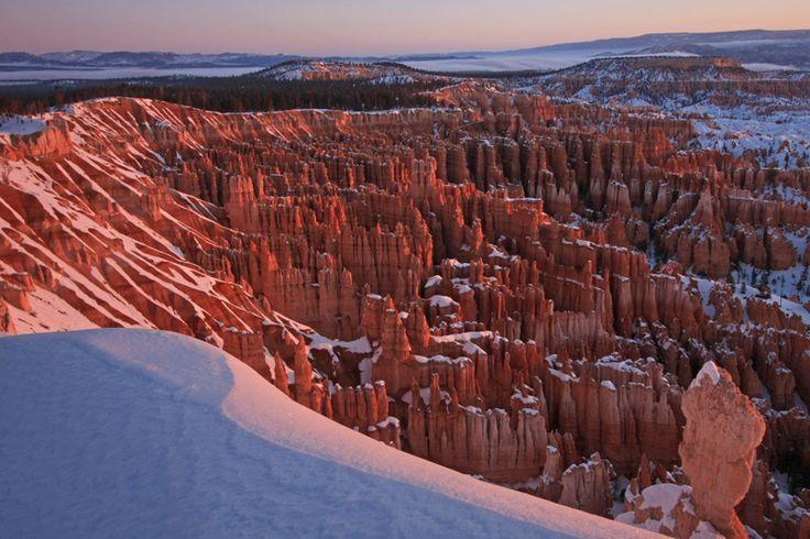 https://flic.kr/p/87QziW | Snow Covered Canyon | Bryce Canyon, USA ユタ州、ブライスキャニオン国立公園の朝焼け。