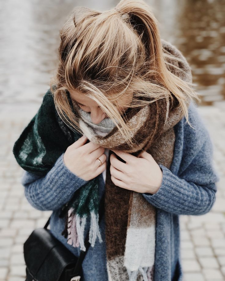 loose casual ponytail | blondes | fall | scarves | earthy colors | sweaters | dusty dark blues | cozy