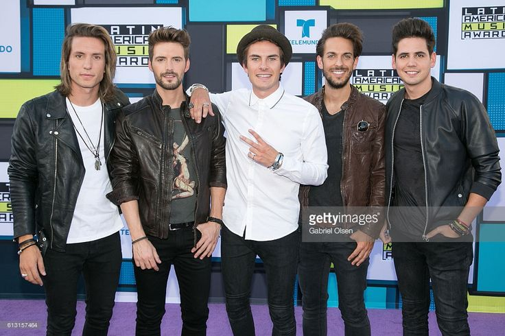 Recording artists Martin Ceballos, Luis Gonzalvo, Andres Ceballos, Nacho Gotor and Alberto Gonzalez of Dvicio arrive at the 2016 Latin American Music Awards at Dolby Theatre on October 6, 2016 in Hollywood, California.