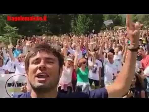 Alessandro Di Battista (M5S) in alto la Costituzione #IoDicoNo #Costituz...