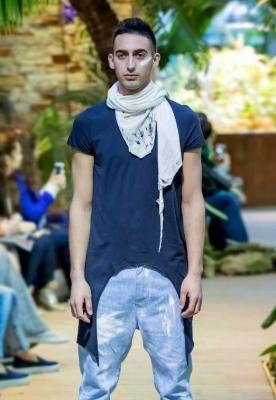Мужская удлиненная майка-фрак Мужское Мужская удлиненная майка-фрак Хлопковая футболка с ассиметричным подолом похожим на фрак 100% Хлопок