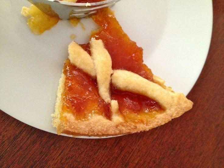 Η φανταστικοτρομερότερη ζύμη για πάστα φλώρα -επιβεβαιώνω κάθε φορά που τη φτιάχνω- είναι του σεφ Φαμπρίτσιο Μπουλιάνι. Είναι μιά πανεύκολη συνταγή - θησαυ