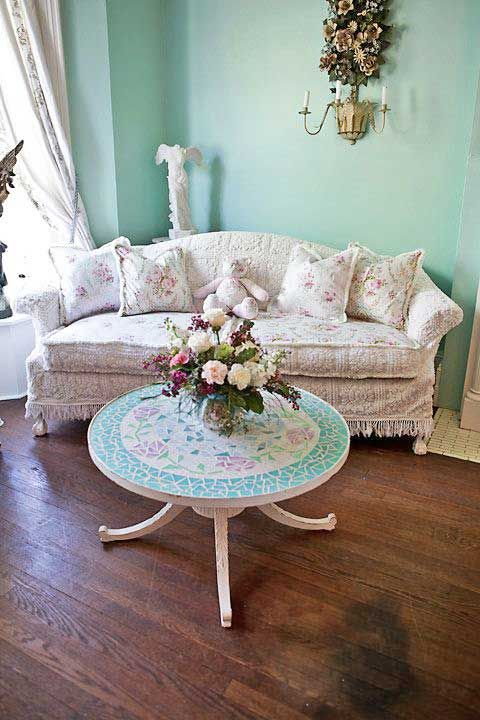 best 25 shabby chic couch ideas on pinterest shabby chic sofa shabby chic chairs and shabby. Black Bedroom Furniture Sets. Home Design Ideas