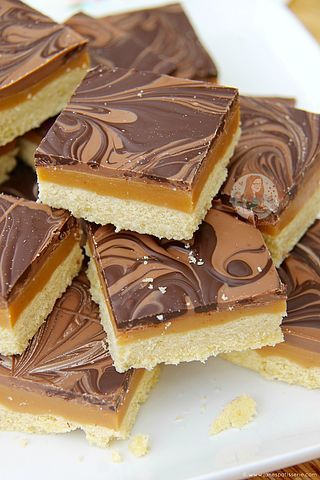 Naughty & Delicious Salted Caramel Millionaires Shortbread – Heavenly Treat that Everyone Adores! I have obviously always adored anything Caramel, especially anything Salted Caramel. This is obvious,