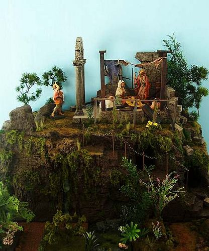 How to build a realistic display for your Fontanini Nativity set by Creche School via Flickr. An excellent visual walk through of display buliding for your set!