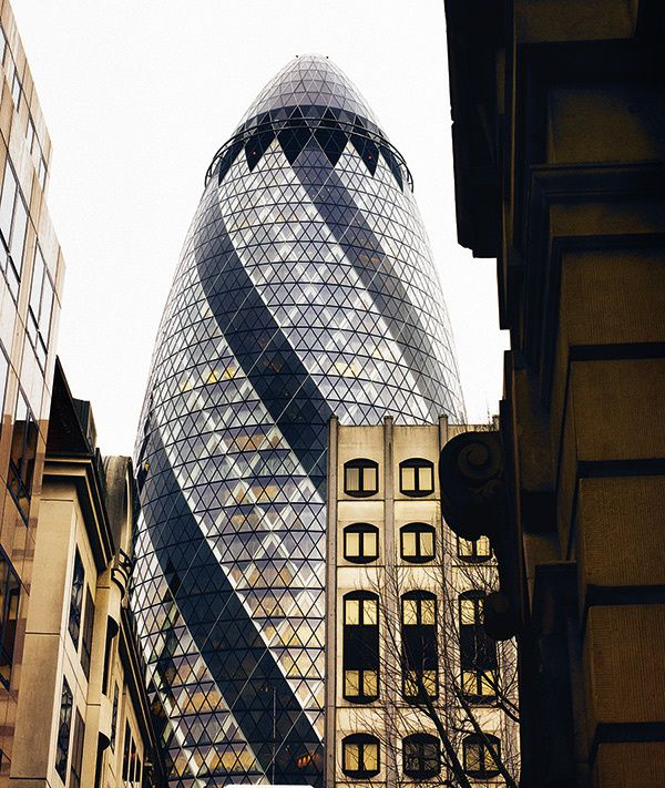 Norman Foster - Swiss Re Tower, London