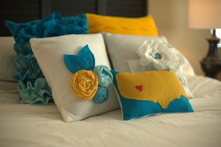 17 Best images about Pillows on Pinterest Applique pillows, Linen pillows and Cute pillows