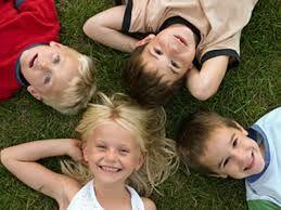 Dal 2002 al 2009, si è registrato un considerevole aumento dei bambini e ragazzi bianchi non ispanici a cui è stato diagnosticato il diabete tipo 1 negli USA. I ricercatori hanno utilizzato i dati dallo studio sul diabete in gioventù per calcolare l'incidenza annuale del diabete di tipo 1 per