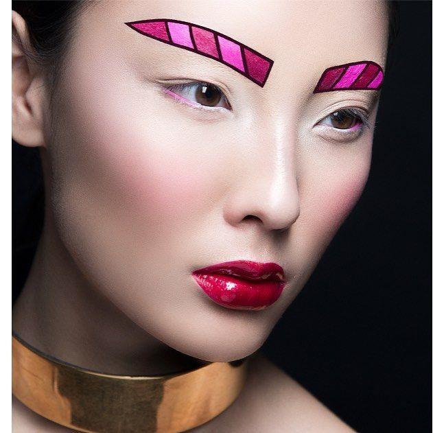 Макияж для новогодней вечеринки и не только! @maccosmeticsrussia  makeup #AntonZimin for @buro247kz/ photo @slozhnomarya / style @petit_chablis ! Thanks for inspiration lovely @sonya_miro!!! #maccosmeticsrussia #macartistchallengerussia #myartistrycommunity #buro247 #newyear #makeup #macnutcrackersweet