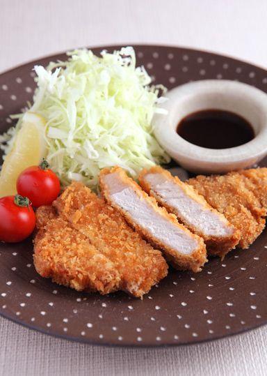 とんかつ  Tonkatsu (Japanese Fried Pork Cutlet)