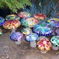 Best 25 Mosaic Garden Art Ideas On Pinterest Stepping Stones And