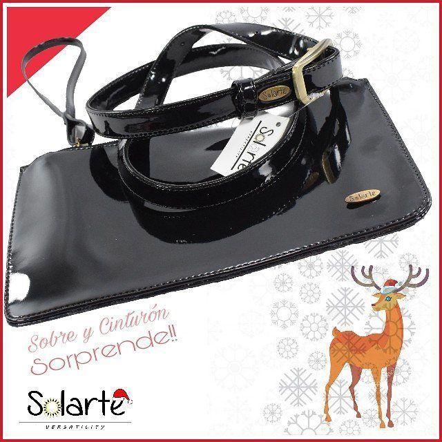 🍁Set Sobre y cinturón 50.000.  . 🍁El perfecto regalo de Navidad  🍁Sobre en charol Negro con bolsillo interno. $27.000 Medidas 15cm*25cm  🍁Cinturòn $27.000 Medidas (1 mt y 1.10 mt)  🍁Vive la experiencia versátil.  🐮Protegemos los animales. ✤ // Mas info en  whatsapp  300 7830 222  ✤ ✥  Solo envios.  🍁#crueltyfree  #modaetica  🍁Envios a todo el pais.  🍁#versatilidad by VioletaR.  #bolsossolarte 🍁#hechoenmedellin #hechoencolombia🇨🇴