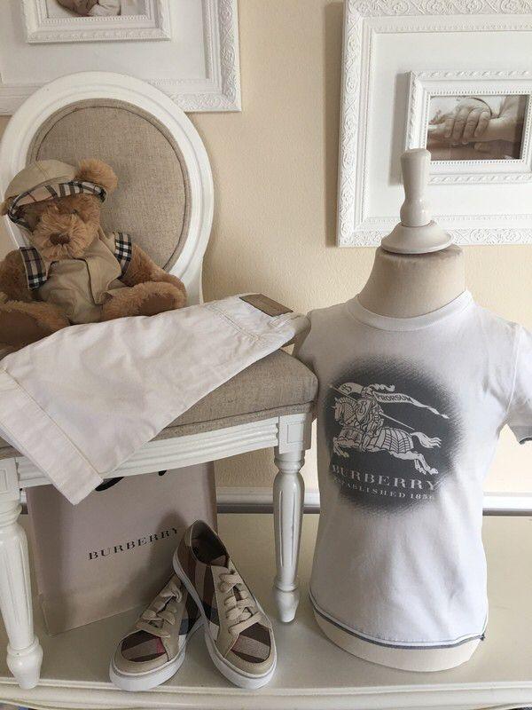 Mein Orig. Burberry T-Shirt Gr.4 Jahre / 104 cm von Burberry! Größe 104 für 30,00 €. Schau´s dir an: http://www.mamikreisel.de/kleidung-fur-jungs/kurzarmelige-t-shirts/39191248-orig-burberry-t-shirt-gr4-jahre-104-cm.
