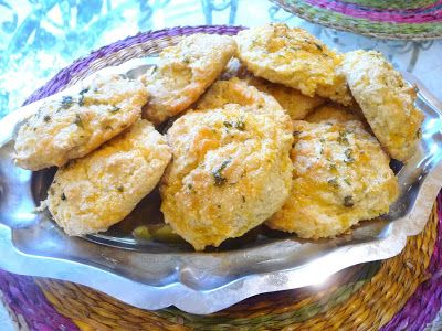 SPLENDID LOW-CARBING BY JENNIFER ELOFF: RED LOBSTER-STYLE BISCUITS