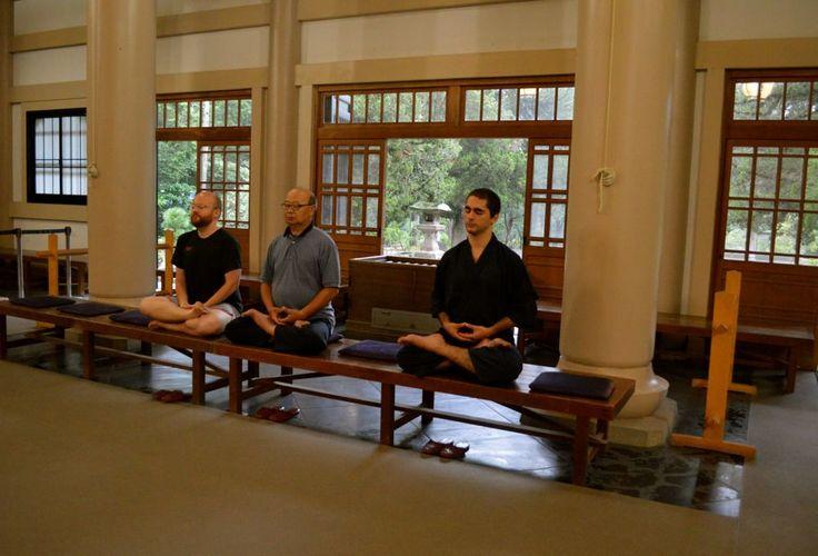鎌倉で座禅体験!無料で参加可!円覚寺の「暁天坐禅会」で爽快な朝をむかえよう