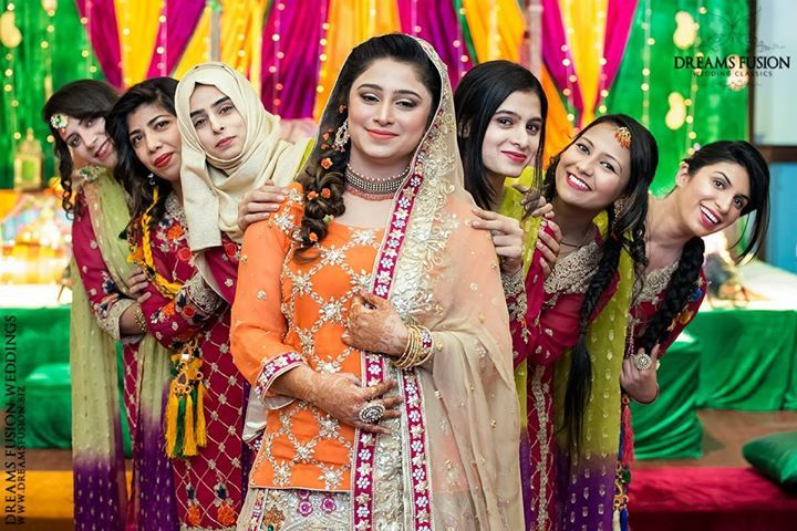 Photography by: Dreams Fusion Weddings... Contemporary Wedding Photography & Cinematography | Instagram @ Dreams Fusion Weddings.....Follow us: http://ift.tt/2sfJnU2 for exclusive content and updates. Taking bookings across Pakistan & Worldwide for the upcoming months; message us for a custom quote....   Dreams Fusion Weddings Covering across Pakistan and Int'l Destinations Pak (ISB): 92-3468310339 UAE (DXB): 971-558714319 #wedding #pakistaniwedding #desiwedding #pakistaniweddingphotographer…