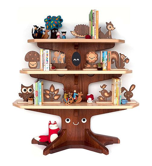 does it get any cuter than this bookshelf for a #lumberjack-themed nursery? #pinparty