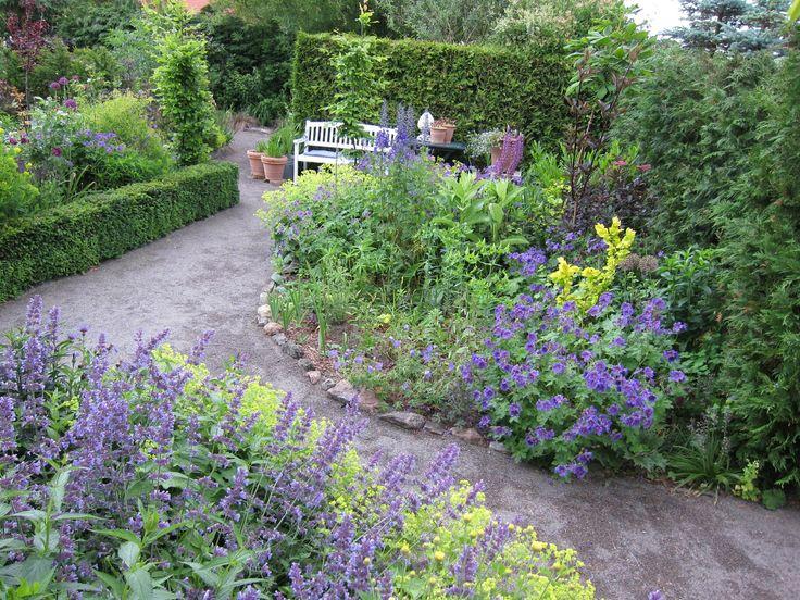 Enghøj staudehave Cottage garden Bornholm