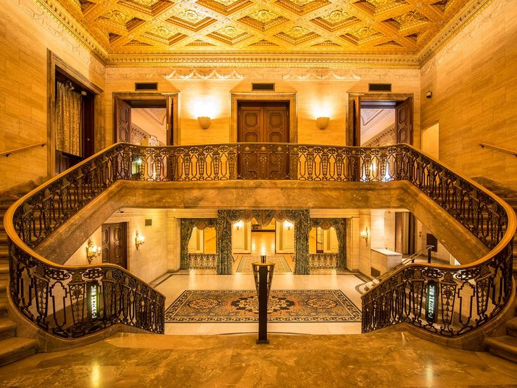 You'll get a heady dose of old school glamour at Wilmington's Hotel du Pont, housed in a 12-story Italian Renaissance building from 1913. Ascend the grand double staircase to take a long soak in your oversized bathroom, then drop in for a pre-Opera dinner at the oak-paneled Green Room.