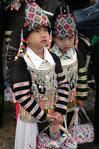 Stripe Hmong..simply beautiful. hmong clothes, stripe hmong clothes, traditional garments