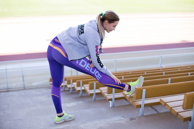 Sporty Outfit | Grey Hoodie | Strecthing | Healthy Lifestyle | Fitness | Six Deuce | Pic by Siiri Saarela