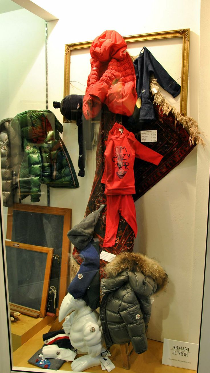 Vetrine Novembre 2013 - #Littleboy #kids #fashion #Moncler #ArmaniJunior #abbigliamento#bambini