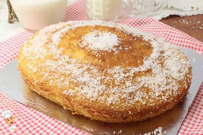 Молочный пирог без начинки и всевозможных добавок - очень вкусный и легкий. Обязательно попробуйте приготовить ..