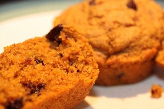 Muffin di zucca e cioccolato: per iniziare queste giornate autunnali con un pieno di nutrienti e per spezzare la fame senza sensi di colpa!