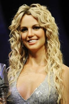 Long Curly Blond Hair for Britney Spears Hairstyles