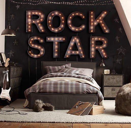 This would be such a cool room for a teen!