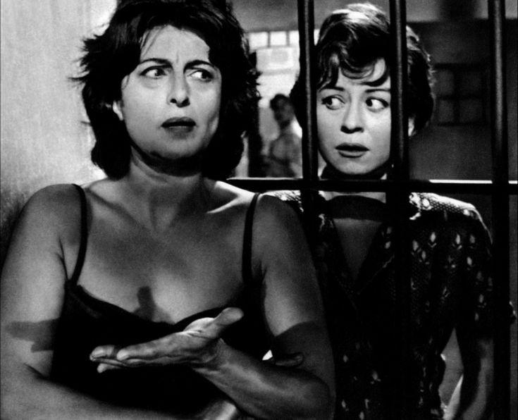 Giullietta Masina and Anna Magnani in Nella citta l'inferno 1959