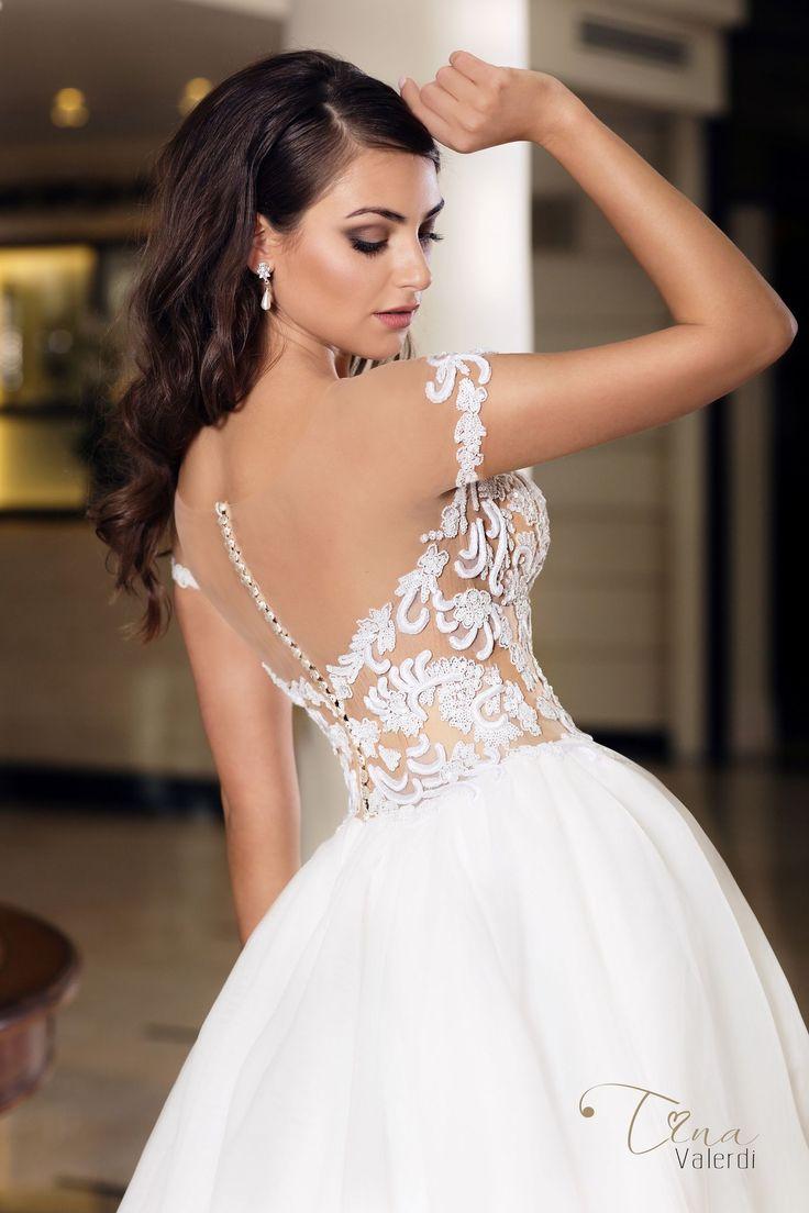 Wedding dress Alicia by Tina Valerdi