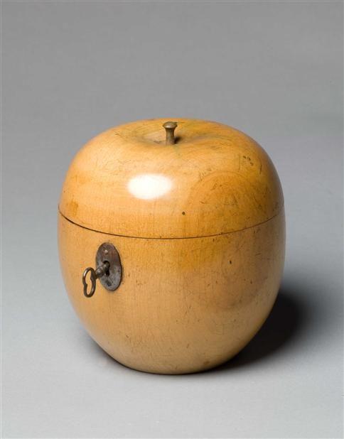 AN EIGHTEENTH CENTURY APPLE TEA CADDY Circa: 1770