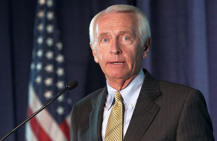 "Top News: ""USA: Voting Rights For Felons Restored By Steve Beshear Kentucky Governor"" - http://www.politicoscope.com/wp-content/uploads/2015/11/USA-Headline-News-Kentucky-Steve-Beshear.jpg - Steve Beshear said: ""All of our society will be better off if we actively work to help rehabilitate those who have made a mistake,""   on Politicoscope - http://www.politicoscope.com/usa-voting-rights-for-felons-restored-by-steve-beshear-kentucky-governor/."
