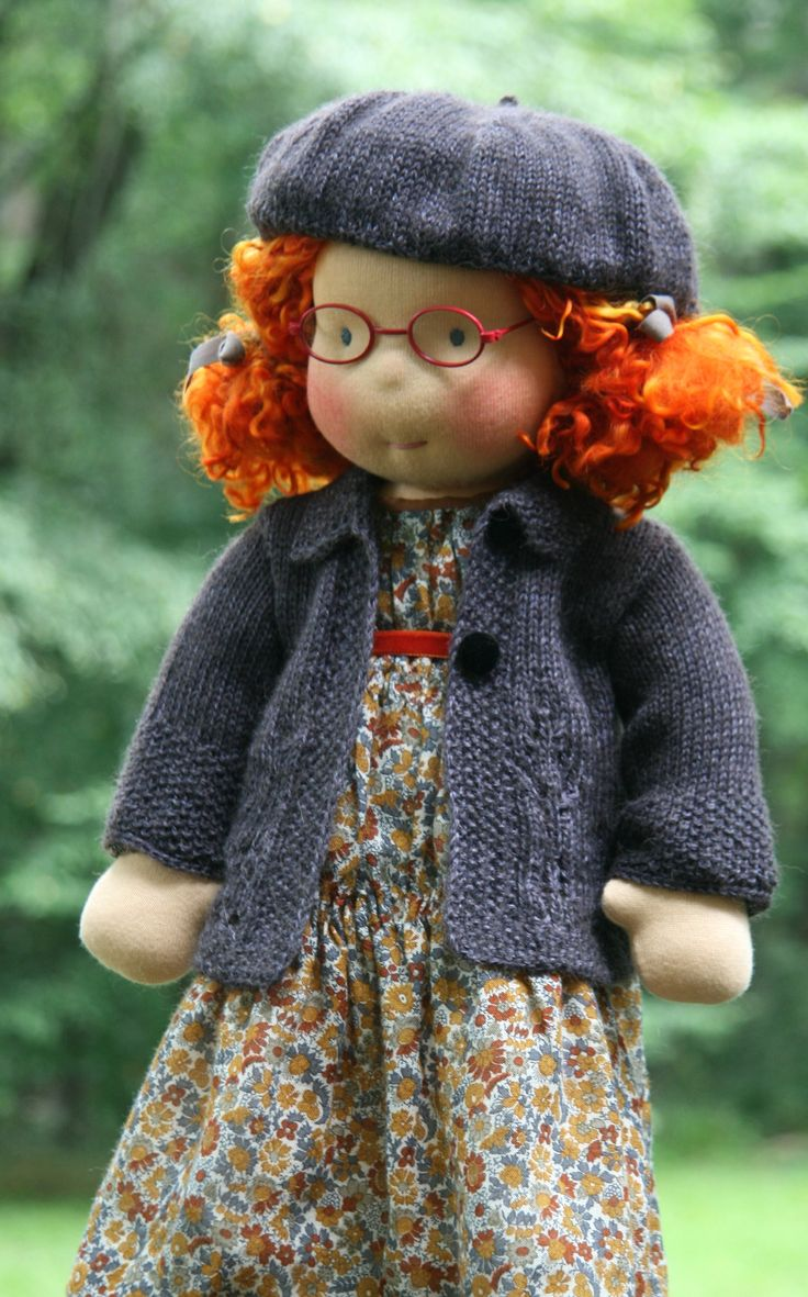 OMG these are so sweet. Maybe someone in CB will start to make these.  Waldorf Doll - à faire pour Sarah