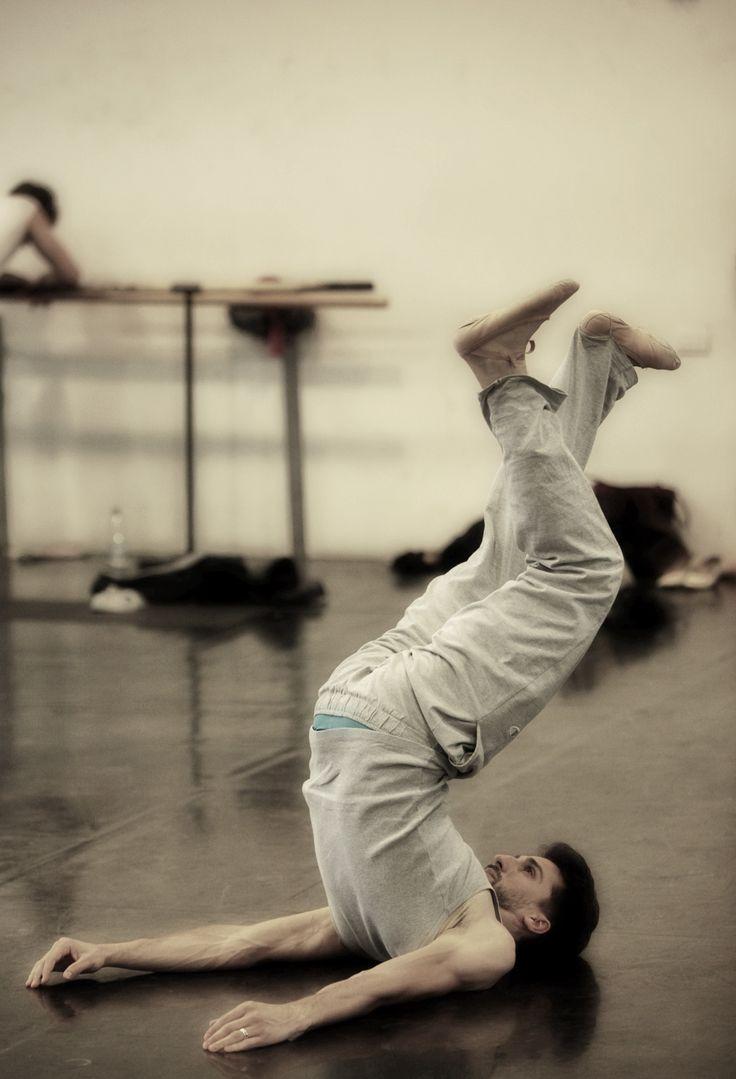 Antonino Sutera rehearsing L'altra metà del cielo - 2012/2013 Season http://www.youtube.com/watch?v=tWYQK_ccCww