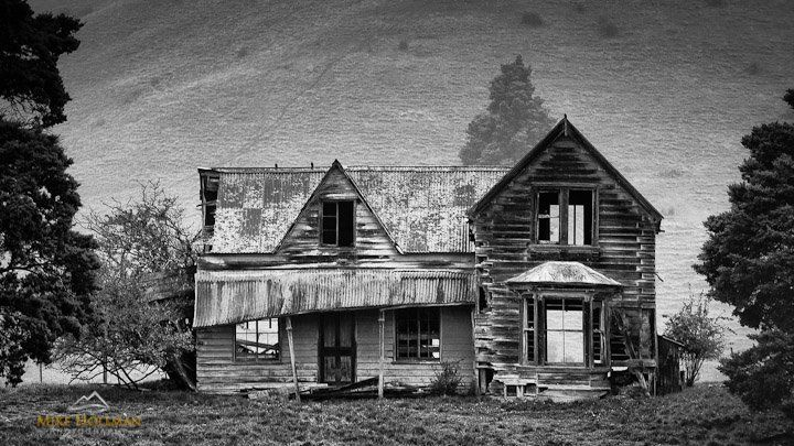Abandoned farm house, Near Nelson, NZ - Mike Hollman Photography this is like the most photographed old house in nz - will be so sad when i finally disintegrates!
