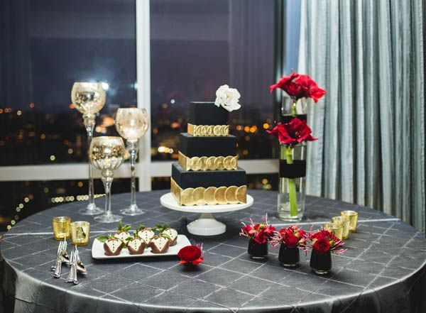 Romantic and elegant red, black and gold wedding inspiration (SHHIVIKA CHAUHAN PHOTOGRAPHY)