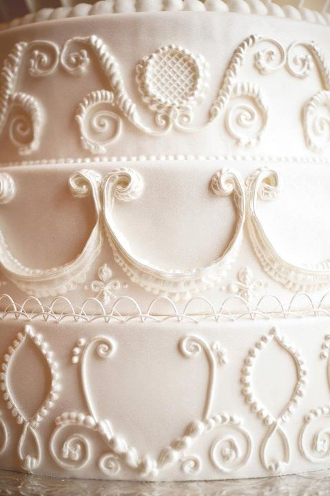 royal icing patterns | Royal icing is used to create 3-D designs, scrollwork, and flourishes ...